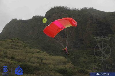 Base Jump Event: nos céus do Porto da Cruz